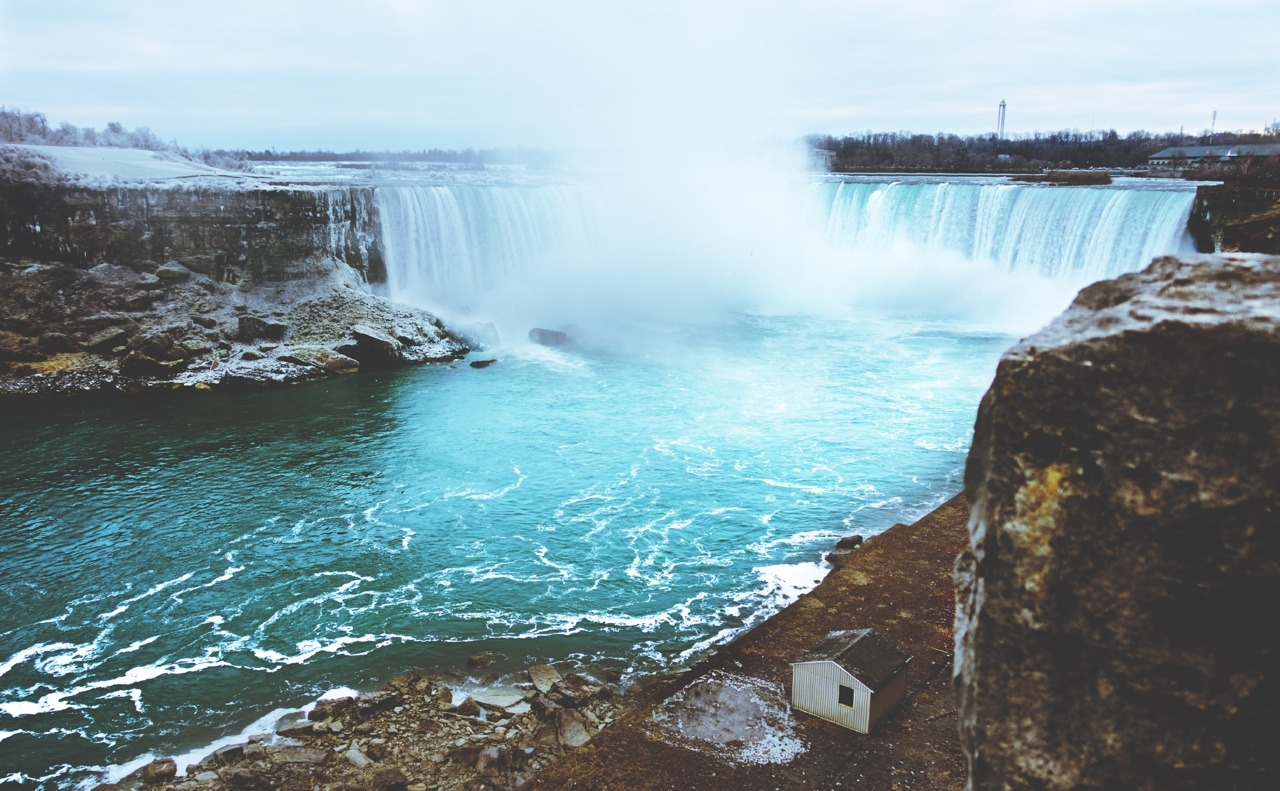 Always Falling. Niagara Falls By Love-fi.com, Stephen Geisel