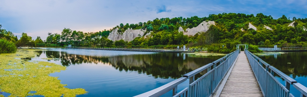 Scarborough Bluffs Panoramic II. By Stephen Geisel, Love-fi