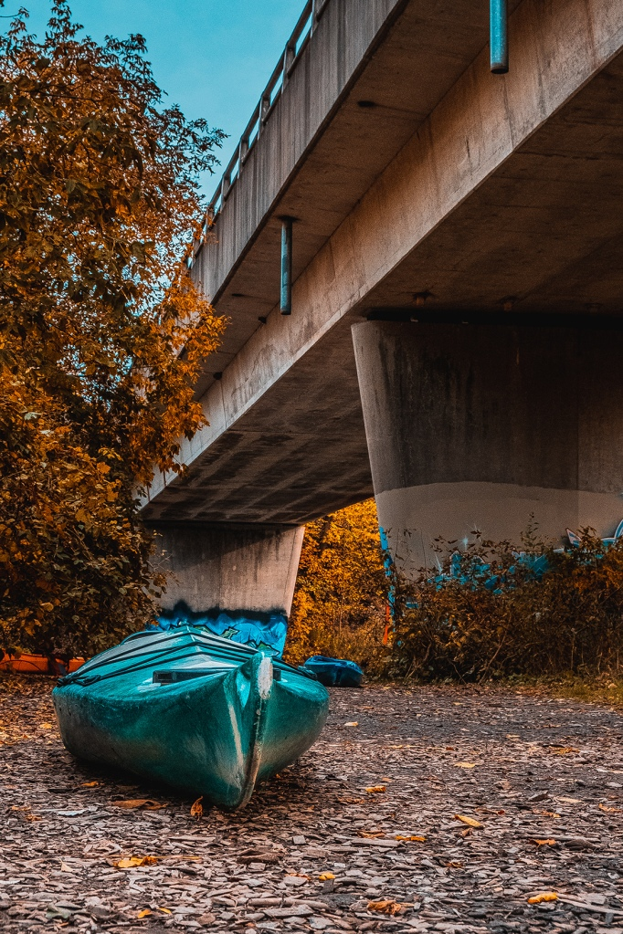 Kayak Under the Bridge. By Stephen Geisel, Love-fi